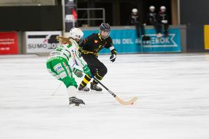 Charlotte Selbekk och VSK hade lekstuga mot toppkollegan AIK i onsdags.