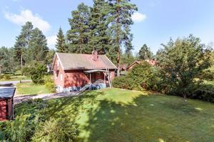 Den här villan på Källtorpsvägen i Falu kommun kom på sjätte plats. Foto: Kristofer Skog/Husfoto