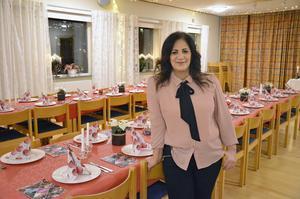 Besna Keyrouz är med och arrangerar den internationella julfesten i Sörbykyrkan.