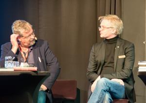 Lars Wilderäng med moderator Tomas Melander.