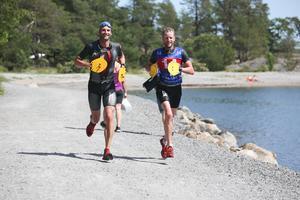 Joakim Brunzell och Henrik Wahlberg vann lagtävlingen i herrklassen, 10 km. Foto: Peder Lindqvist