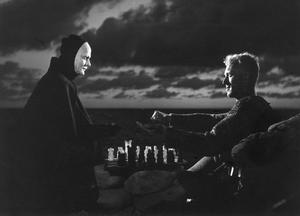 Döden dyker ofta upp som faktiskt figur i Ingmar Bergmans filmer. Mest känd är Bengt Ekerots rollgestaltning i filmen