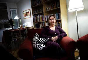 En utförsäkrad kvinna i Göteborg intervjuas om sin kamp med Försäkringskassan. Foto: TT.