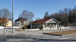 Platsen för Vegagrillen nära Oxbackens centrum är en av flera platser i Västerås där planerade byggprojekt orsakat protester bland kringboende.