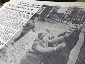 Den 19 november 1964 berättade NA om ett spännande besök på Vinön. Det var tv-profilen Lars Orup som var på plats för att spela in ett kommande program om skolan på Vinön. Med sina fyra elever kvalade skolan in som Sveriges minsta.