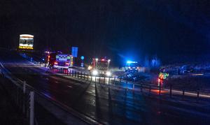 Polis, ambulans och räddningstjänst åkte ut på singelolyckan i Bye.