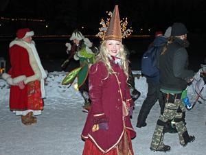 En glad fe är en av alla väsen som bor på Gesundaberget utanför Mora.