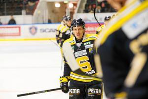 Jonas Liwing lämnar SSK för VIK Hockey.