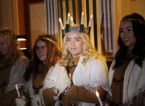 Elvira Revelj som blev byns ljusdrottning. Kröning äger rum 13 december i Hede kyrka.