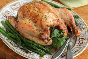 I dag äter svenskarna för första gången lika mycket kyckling och kalkon som nötkött, skriver kycklingbonden Jenny Andersson, kycklingbonde, som även är ordförande i Svensk Fågel