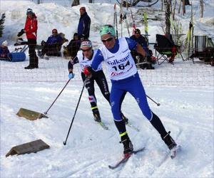 Karin Övre Lind, Oppdal ledde när man passerade skidstadion, men Ida Olsson, Åsarna, låg bakom och slog till i spurten.Foto: Thord Eric Nilsson