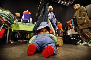 Monchhichi modell större, pris 300 kronor.  Figuren är en kombination av docka och gosedjur i form av en liten apa som skapades 1974 av japanen Koichi Sekiguch.