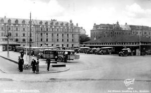 Busstationen på 1940-talet.