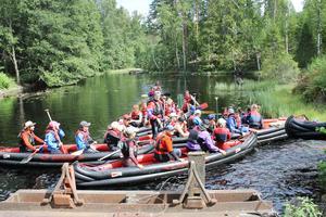 Snart kanske kanotfärder som denna är ett minne blott i Tiveden då vattendragen torrläggs.FOTO: GÖRAN HARTMAN
