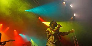 Kaliffa bjöd på skön reggae mellan de intensivare akterna.