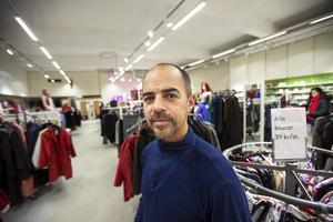 Andreas Björkman hittade en bh till frun på Myrornas second hand-butik i Gävle.