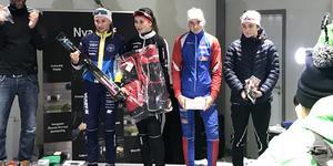 Elin Näslund och Elsa Eriksson tog emot priser efter sina prestationer i helgens Supersprint.