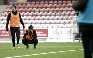 Johan Mårtensson (t h) är osäker på spel mot Gais i helgen på grund av sjukdom.