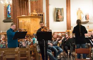 Orkesterföreningen repeterar inför
