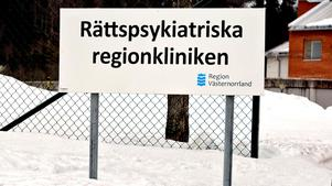 Mataffären försökte utan att lyckas kontakta rättspsyk i Sundsvall för att komma i kontakt med patientens stödperson.