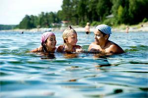Bad vid Gullviks havsbad. Det verkar ett bra val för badplatsen fick i fjol klassningen