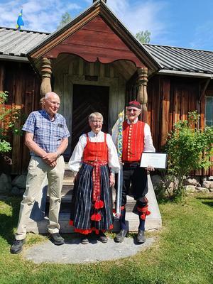 Stipendium utdelning Kalle Eriksson, Gunvor och Alf Persson. Bild: Privat.