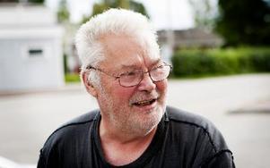 Raimo Suomi, 68 år,  pensionär, Sandbacken:– Först och främst naturen som är väldigt fin. Sedan har jag allt annat som jag behöver här i form av butiker och så vidare. Foto: Carl Lindblad