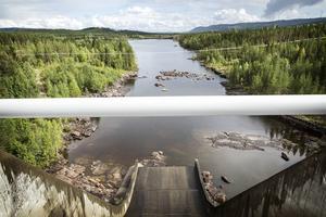 När dammen stod klar förändrades landskapsbilden nedströms kraftverket.