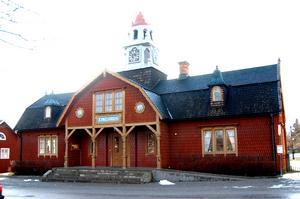 Det anrika tingshuset i Kopparberg är lite av en symbol för för orten, både det charmiga samhället och behovet av en fungerande rättsapparat.FOTO: Klas Holmqvist
