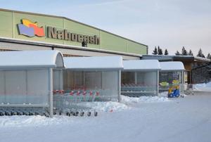 """En skandal där man märkt om kött och flyttat fram hållbarhetstider uppdagades förra veckan på Storvallenbutiken Nabocash, som av slagfärdiga ortsbor fått tillnamnet """"Nabocrasch""""."""