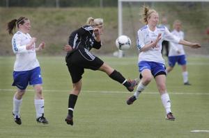 Lena Lindström, till vänster, var ledstjärnan i årets Ope. Både som lagkapten och matchvinnare.Arkivbild