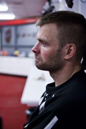 Modokaptenen Niklas Sundström är fortsatt revbensskadad och är inte aktuell för spel den här veckan till att börja med.