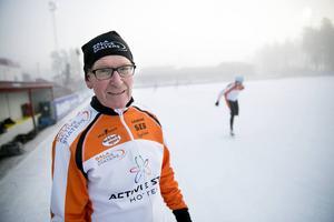 Sven Olsson, klubbens barn- och ungdomsansvarige, menar att sjön Runns fina isförhållanden bidrar till det stora skridskointresset.