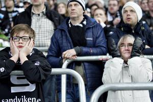 Hampus och Gabriella Mörner kämpar med känslorna under matchen.