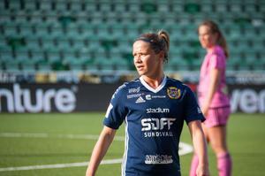 SDFF:s Amanda Månsson i ett tidigare möte med IF Böljan.