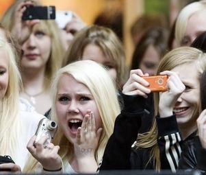 VI ÄLSKAR DIG JOHAN. Sedan Johan Palm var med i tv-programmet Idol har han haft en hängiven publik.