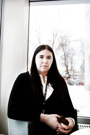 Hanna Höghielm lämnar sin post som verksamhetschef för akutvården efter att 60 läkare slagit larm om den akuta situationen på akutmottagningen i Gävle.