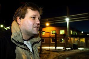Kanske klarar sig. Bert-Åke Sjödin hoppas att hans 21 år på Kubal ska räcka för att få jobba kvar.
