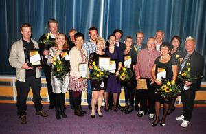 Samtliga pristagare vid Guldälgengalan i Strömsund på lördag kväll.