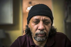 Ahmed Rizk och hans söner tillhörde regimkritikerna i Egypten. Därför flydde de till Sverige.