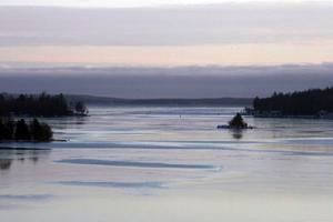 Före utgången av mars månad är Dukarsundet färdigmuddrat.