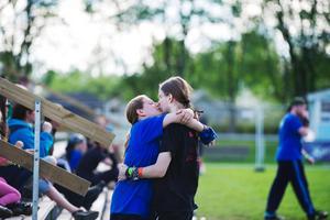 Puss. Maria Schmid och pojkvännen Cornelius från Karlsruhe i Tyskland myser efter matchen i lagsporten Jugger på Metallsvenskan.