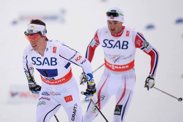Det blev silver på stafetten för Sverige. Petter Northug spurtade ner Calle Halfvarsson.