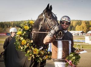 Shaq Is Back med Daniel Redén i sulkyn vann EJ:s Guldsko.