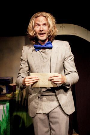 Herr Muffin, spelad av Ove Andersson, är först ut på nygamla scenen på Spegeln.