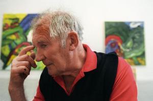 Bengt Lindström avled i januari 2008 i Sundsvall, sedan dess har de efterlevande grälat om arvet.