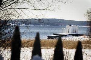 Två fastighetsägare har överklagat domen från Miljö- och markdomstolen vad gäller ersättningen för sina tvångsinlösta fastigheter i området.