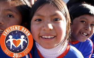 Världens Barn samlar in pengar för att nå så många barn som möjligt i utsatta livssituationer. Hjälpen sker ofta i länder som drabbats av krig och katastrofer.