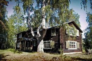 I Granvåg finns sommarhuset och ateljén fortfarande bevarade.