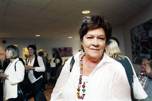 Nyfiken. Birgitta Blohm var en av besökarna på invigningsfesten. Hon var nyfiken på att se de nya lokalerna och ville även träffa verksamhetschefen Kent Åhlenius som är en gammal arbetskamrat.